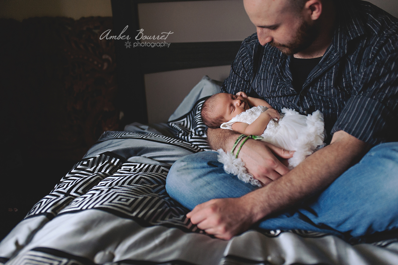 red deer newborn lifestyle photographer