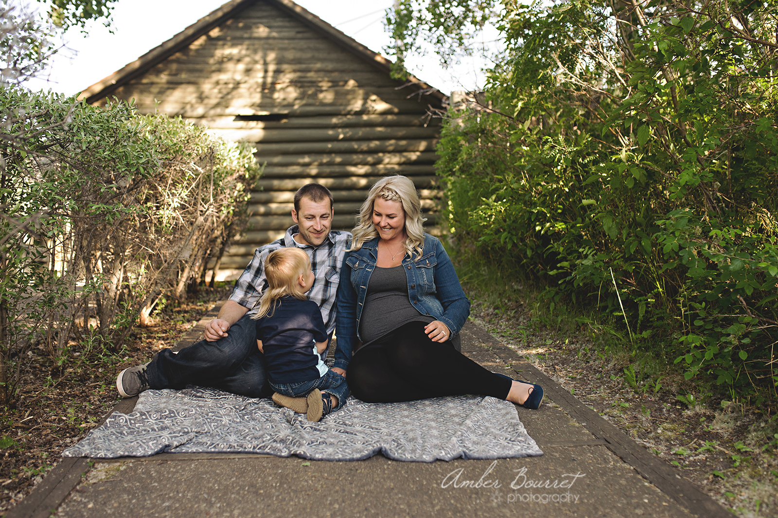 red deer maternity photographer