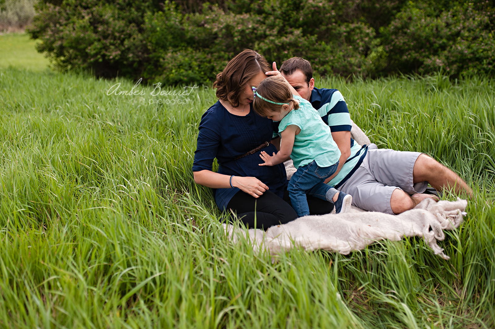 red deer maternity photographers